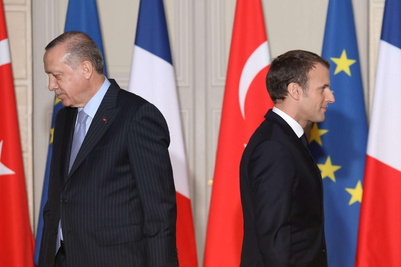 Francuski predsednik Emanuel Makron i turski predsednik Redžep Tajip Erdogan nakon zajedničke konferencije za medije u Jelisejskoj palati, Pariz, januar 2018. (Foto: AFP Photo/Ludovic Marin)