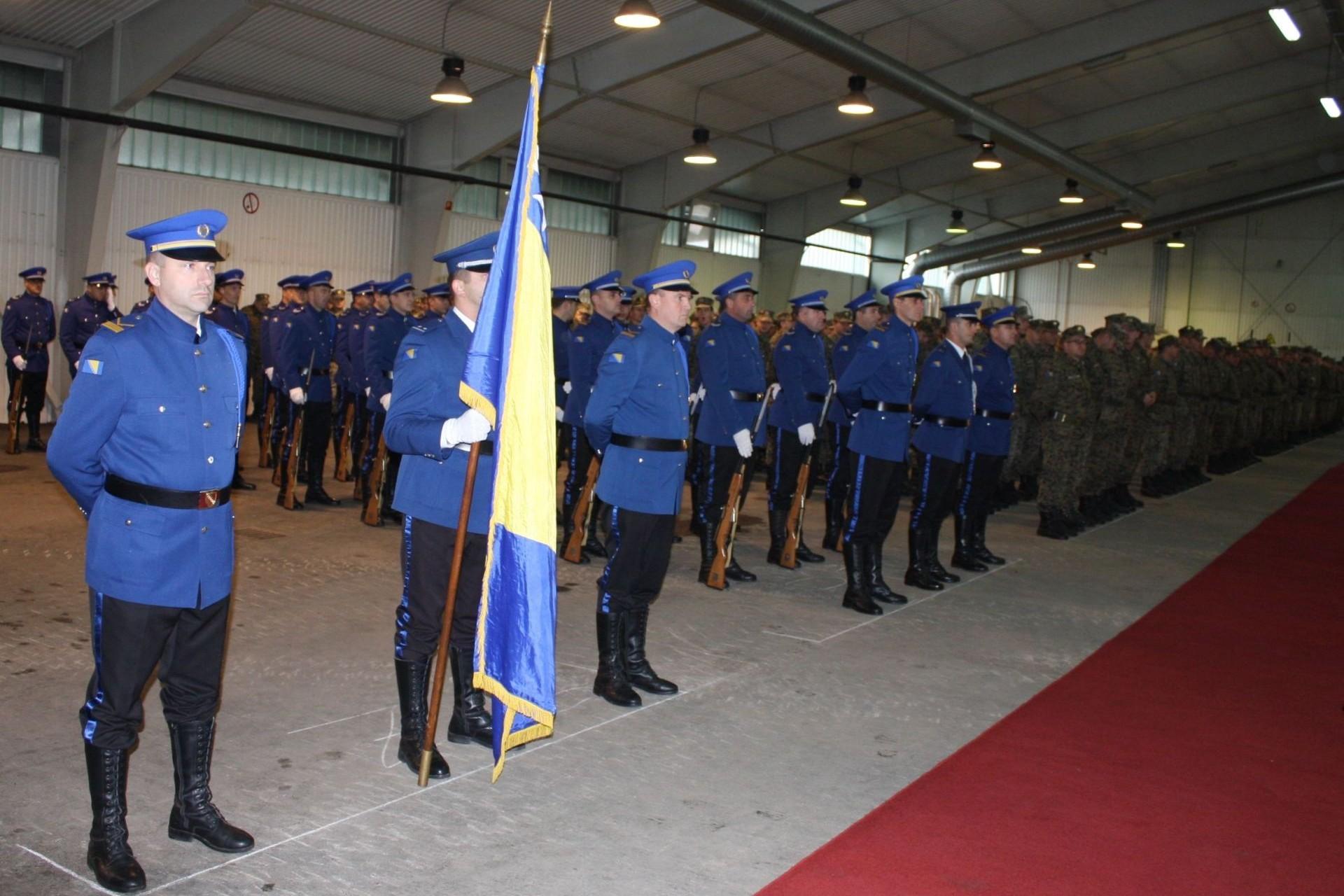 Pripadnici Oružanih snaga BiH tokom obeležavanja sedme godišnjice Dana OS BiH (Foto: mod.gov.ba)