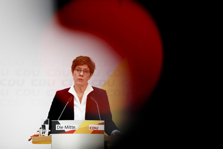 Predsednica CDU Anegret Kramp-Karenbauer na konferenciji za medije nakon sastanka Glavnog odbora stranke u Berlinu, 24. februar 2020. (Foto: AP Photo/Markus Schreiber)