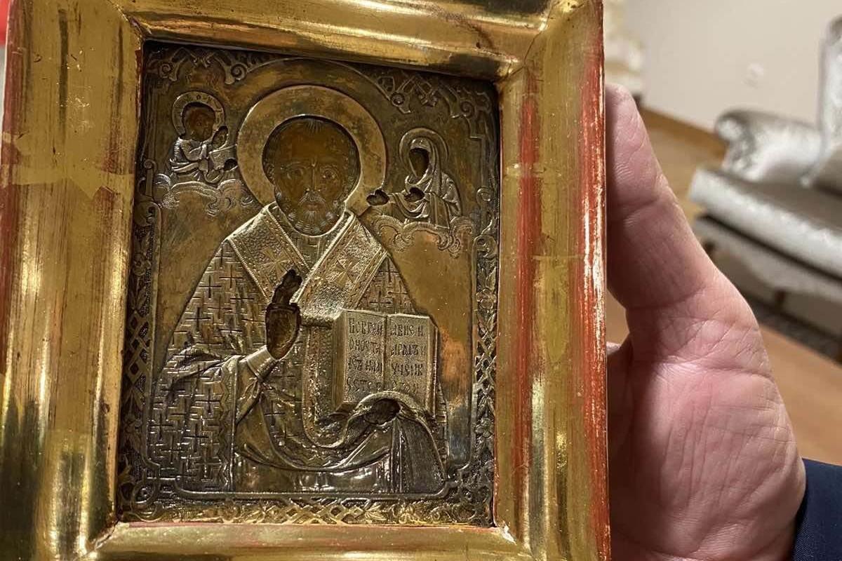 Ikona Svetog Nikole Čudotvorca koju je Milorad Dodik darivao Sergeju Lavrovu (Foto: SRNA)