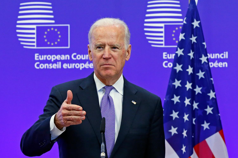 Američki potpredsednik Džo Bajden tokom konferencije za medije sa predsednikom Evropskog saveta Donaldom Tuskom, Brisel, 06. februar 2015. (Foto: Reuters/Yves Herman)