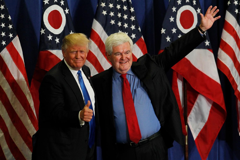 Bivši predsedavajući Predstavničkog doma Njut Gingrič predstavlja Donalda Trampa na mitingu u Sinsinatiju (Ohajo) tokom Trampove predsedničke kampanje, 06. jul 2016. (Foto: John Sommers II/Getty Images)