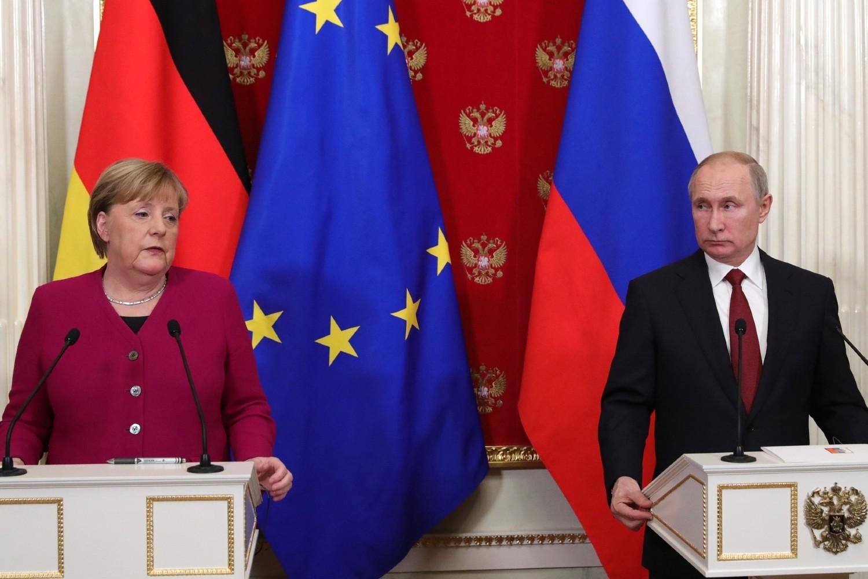 Ruski predsednik Vladimir Putin i nemačka kancelarka Angela Merkel tokom zajedničke konferencije za medije u Kremlju, Moskva, 11. januar 2020. (Foto: kremlin.ru)