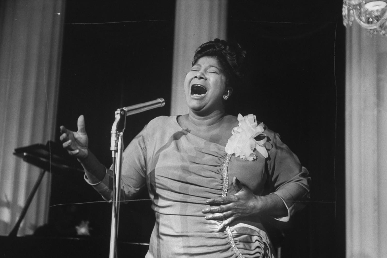 Pevačica Mahalija Džekson tokom nastupa u jednom hotelu (Foto: Don Cravens/The LIFE Images Collection via Getty Images/Getty Images)