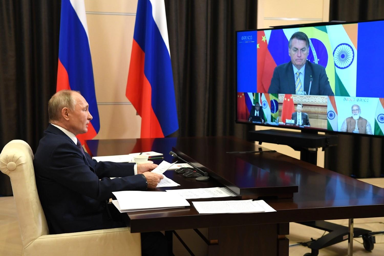 Predsednik Rusije Vladimir Putin tokom video konferencije sa ostalim liderima BRIKS-a na njihovom godišnjem samitu, Novo Ogarjovo, 17. novembar 2020. (Foto: kremlin.ru)