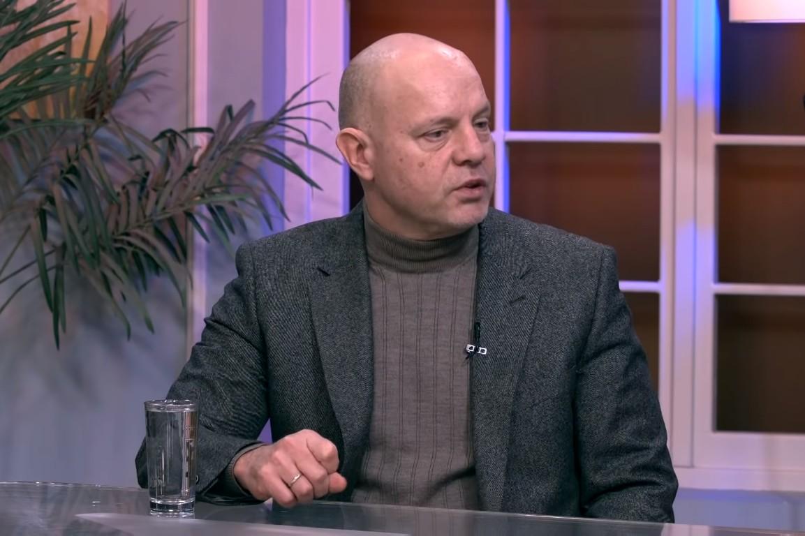 Aleksandar Pavić tokom gostovanja u jutarnjem programu TV Hepi (Foto: Snimak ekrana/Jutarnji program TV HAPPY)