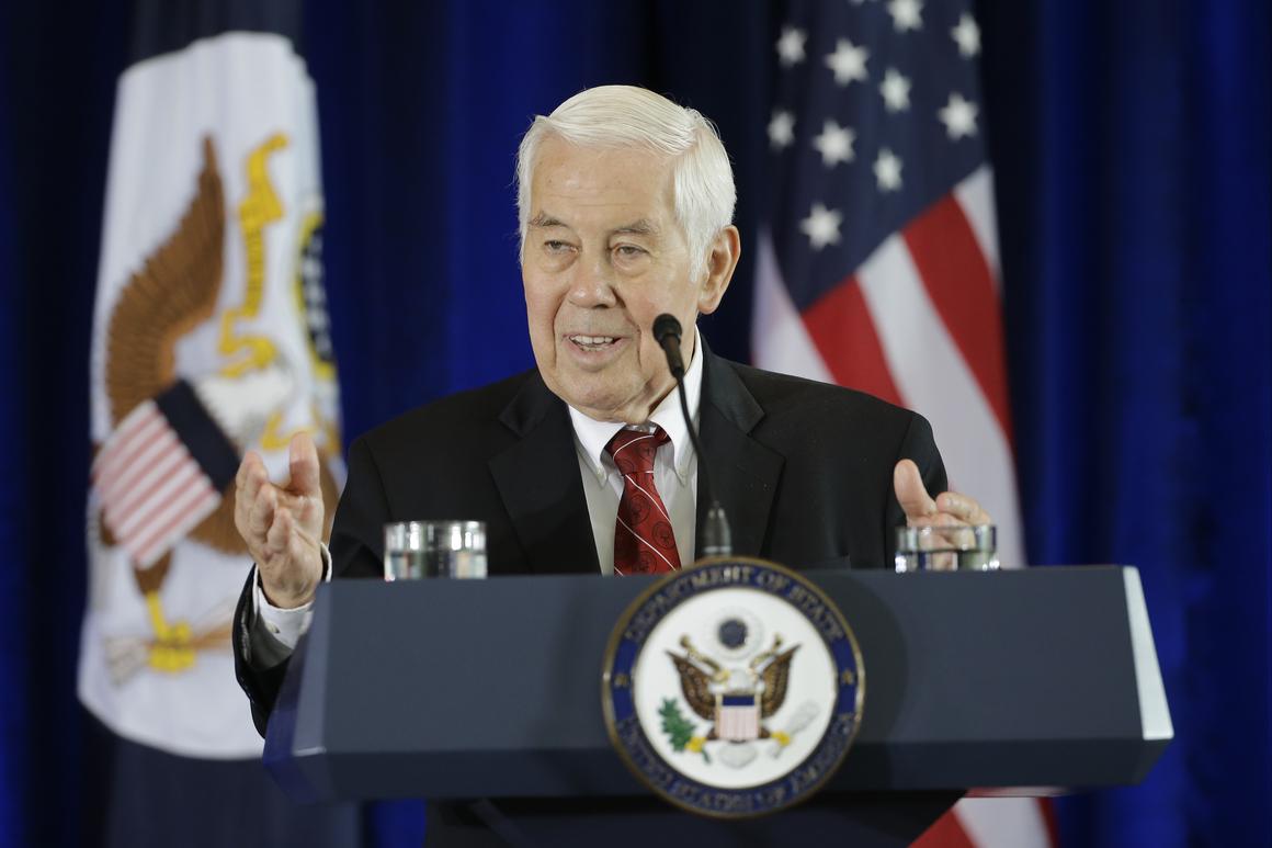 Bivši republikanski senator Ričard Lugar tokom predstavljanja državnog sekretara Džona Kerija povodom rasprave o iranskom nuklearnom sporazumu, Filadelfija, 02. septembar 2015. (Foto: AP Photo/Matt Slocum)