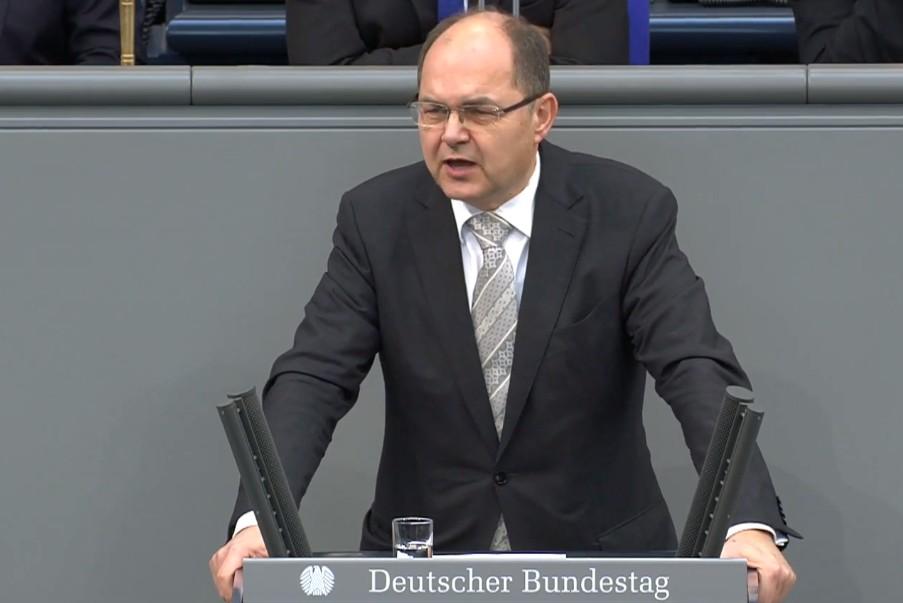 Poslanik Bundestaga iz redova CDU Kristijan Šmit tokom govora u Bundestagu, Berlin, 31. januar 2019. (Foto: Snimak ekrana/BundestagTV CDU)