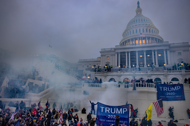 Demonstranti tokom nereda protesta ispred američkog Kapitola, Vašington, 06. januar 2021. (Foto: Evelyn Hockstein/For The Washington Post via Getty Images))