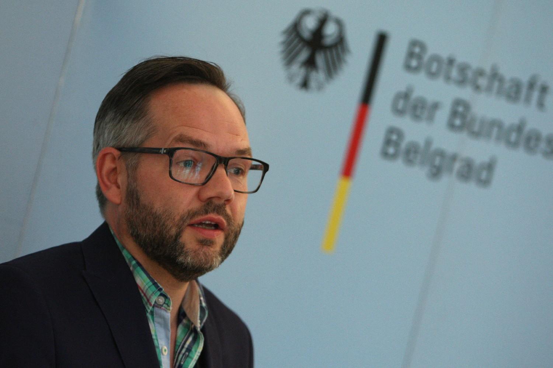 Državni sekretar nemačkog Ministarstva spoljnih poslova Mihael Rot tokom konferencije za medije u ambasadi Nemačke u Beogradu, 20. septembar 2015. (Foto: Tanjug/Sava Radovanović)
