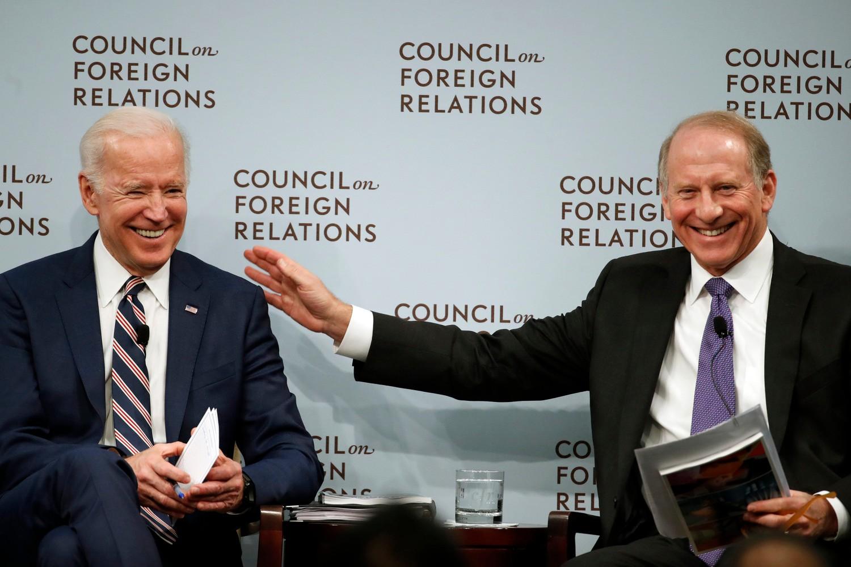 Bivši američki potpredsednik Džo Bajden tokom panel diskusije sa predsednikom Saveta za sponlje odnose Ričardom Hasom o odnosima SAD i Rusije, Vašington, 23. januar 2018. (Foto: AP/Alex Brandon)