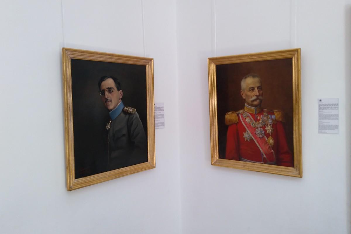 Portreti kralja Petra I i kralja Aleksandra Karađorđevića u Kući kralja Petra na Oplencu (Foto: Radomir Jovanović/Novi Standard)