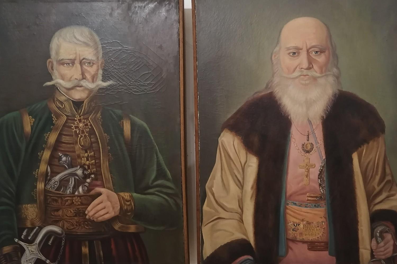 Portreti Jakova Nenadovića i prote Mateje Nenadovića (Foto: Radomir Jovanović/Novi Standard)