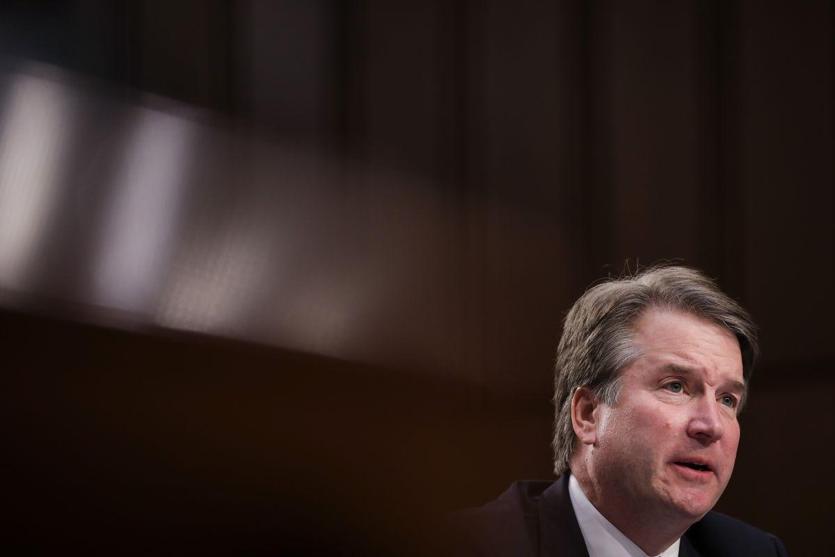 Kandidat za sudiju Vrhovnog suda SAD Bret Kavano tokom svedočenja pred Pravosudnim odborom Senata, 06. septembar 2018. (Foto: Drew Angerer/Getty Images)