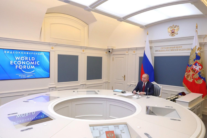Ruski predsednik Vladimir Putin tokom obraćanja na onlajn Svetskom ekonomskom forumu, Moskva, 27. januar 2021. (Foto: kremlin.ru)