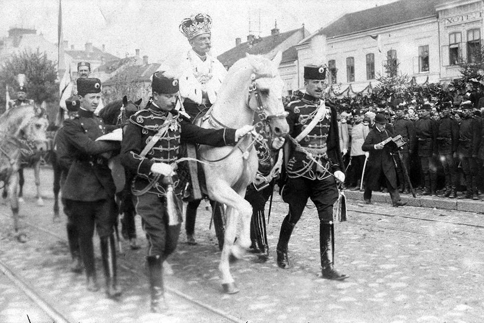 Krunisanje kralja Petra I Karađorđevića, 21. septembar 1904. (Foto: Wikimedia/pokimica.com)