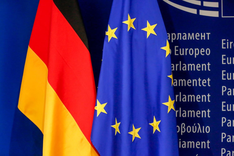 Zastave Nemačke i Evropske unije (Foto: Daina Le Lardic/European Union 2019/EP)