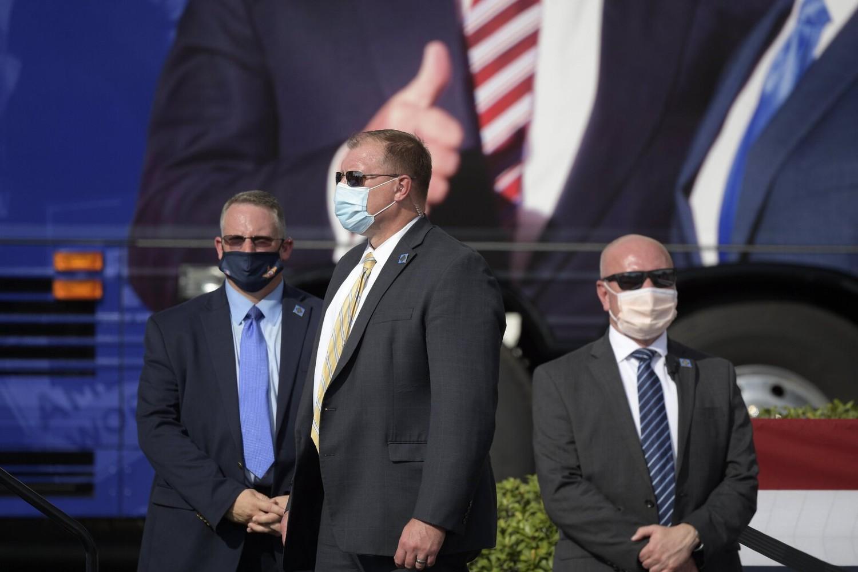 Pripadnici američke tajne službe tokom obezbeđivanja jednog mitinga bivšeg američkog predsednika Donalda Trampa (Foto: AP Photo/Phelan M. Ebenhack)