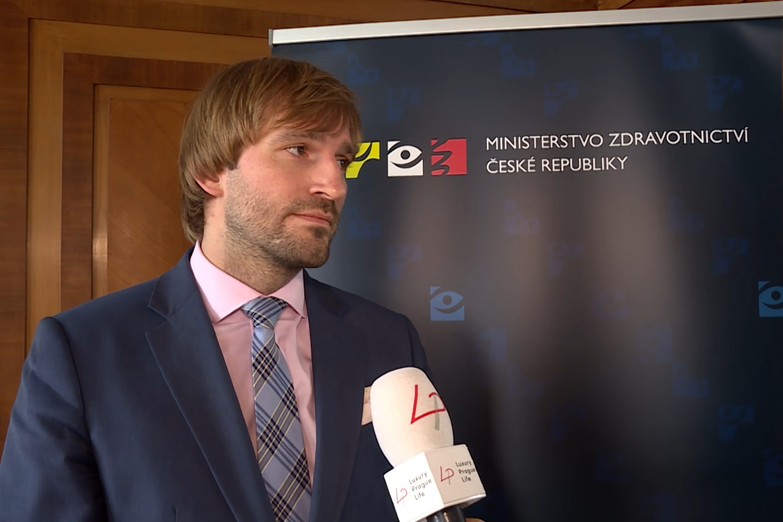Bivši ministar zdravlja Češke Adam Vojteh (Foto: Snimak ekrana/Jutjub/LP-Life)