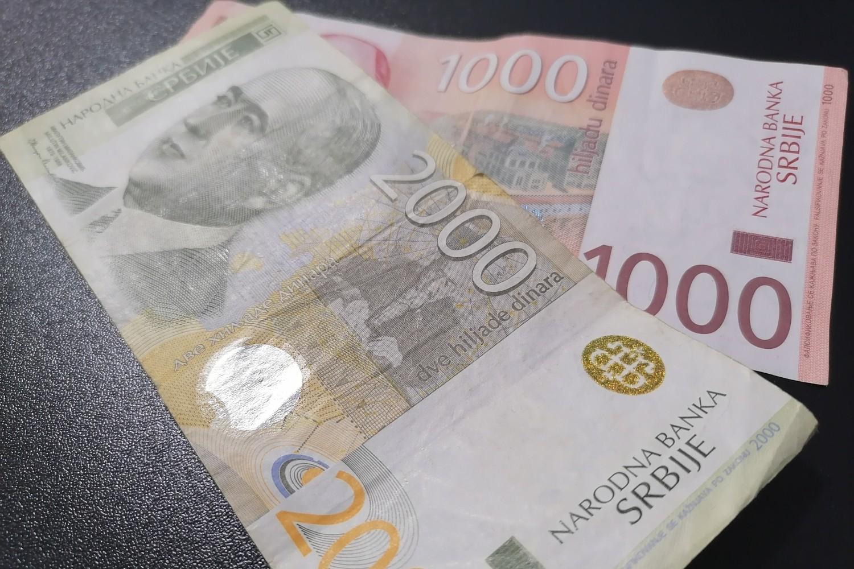 Novčanice od 1.000 i 2.000 dinara (ilustracija) (Foto: Radomir Jovanović/Novi Standard)