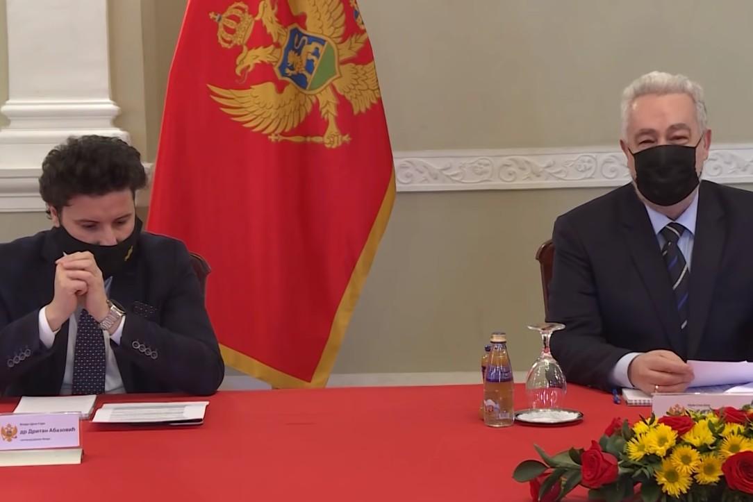 Predsednik i potpredsednik Vlade Crne Gore Zdravko Krivokapić i Dritan Abazović tokom osme sednice vlade, 28. januar 2021. (Foto: Snimak ekrana/Jutjub/Vlada Crne Gore)