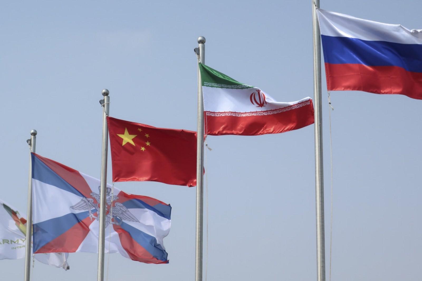 Zastave Kine, Irana i Rusije tokom Međunarodnih vojnih igara u Iranu, avgust 2019. (Foto: Russian Ministry of Defense)