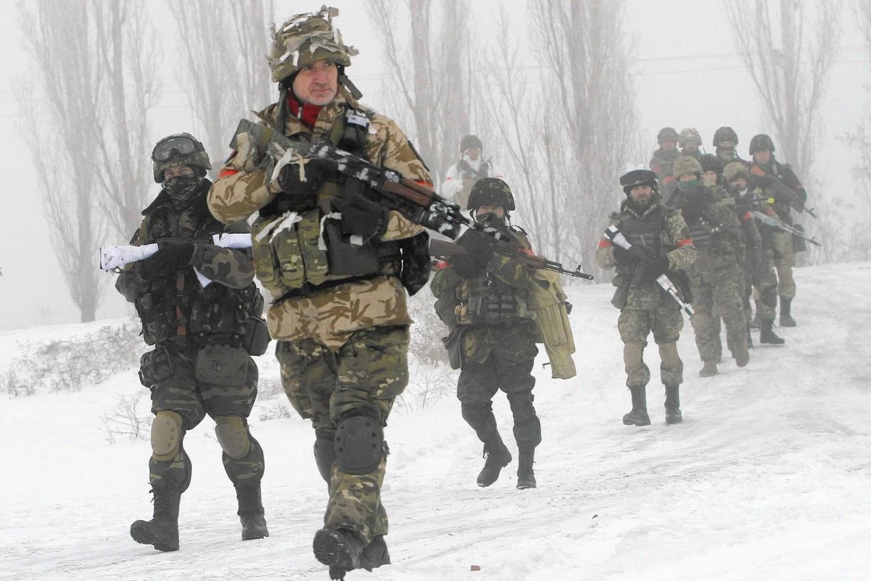 Ukrajinski dobrovoljci iz Donbasa tokom operacija u blizini Lisičanska u Luganskoj oblasti, 28. januar 2015. (Foto: Anatolii Boiko/Getty Images)