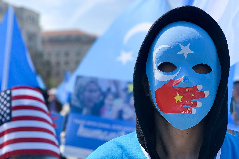 Demonstranti tokom protesta povodom navodnog kršenja ljudskih prava ujgurskih muslimana u Sinkjangu, Vašington, 06. april 2019. (Foto: Yasin Ozturk/Anadolu Agency/Getty Images)